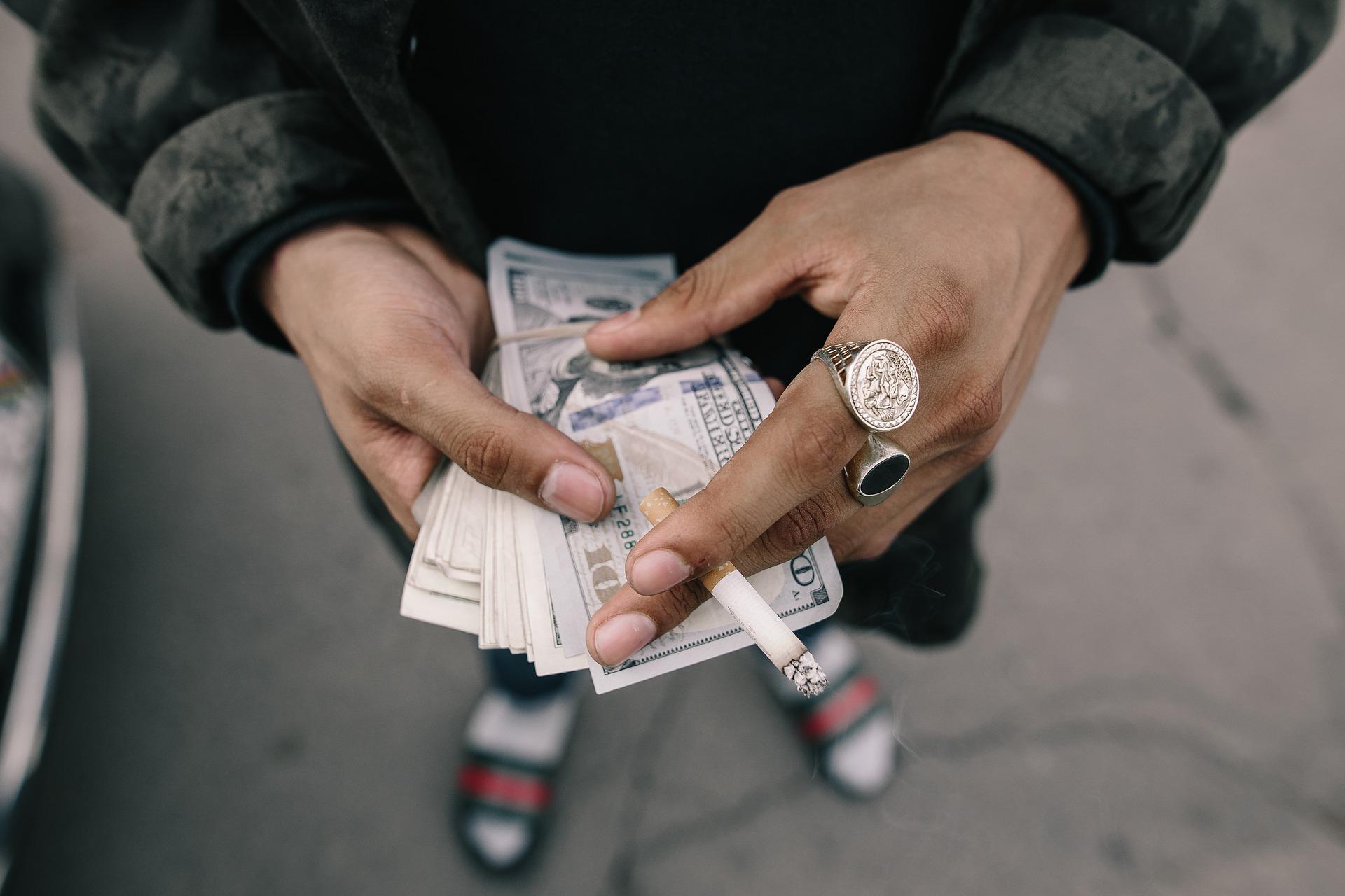 2022 タバコ 値上げ 【たばこ税増税】タバコ1箱550円は通過点に過ぎない?知っておきたいタバコの税金の話。